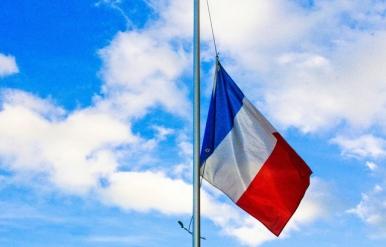 """""""Loin de chez nous"""", chant pour Pierre et Cédric, Bérets verts du Commando Hubert, morts pour la France."""