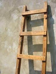 """Servitude dite du """"tour d'échelle"""" pour faire des travaux, ou l'image de l'enquiquineur... (Cass. 3e civ., 15 fév. 2012)"""