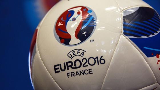 """Le """"temps réglementaire"""" au football : une notion embrouillée sur fond de """"temps additionnel"""""""