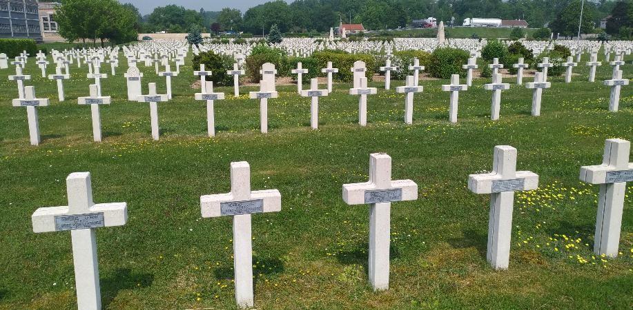 Les croix aux prénoms (Commémoration Guerre de 14-18)