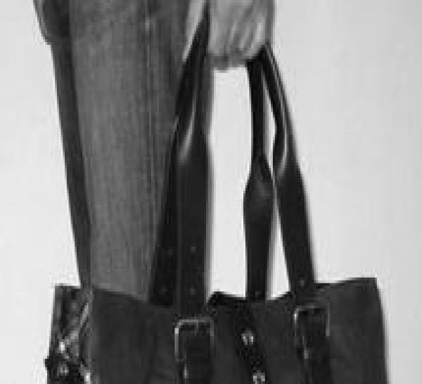 Celui qui se blesse en pourchassant le voleur de sac à main est une victime d'infraction pénale : le Fonds de garantie des victimes doit l'indemniser de ses préjudices liés à l'infraction pénale.