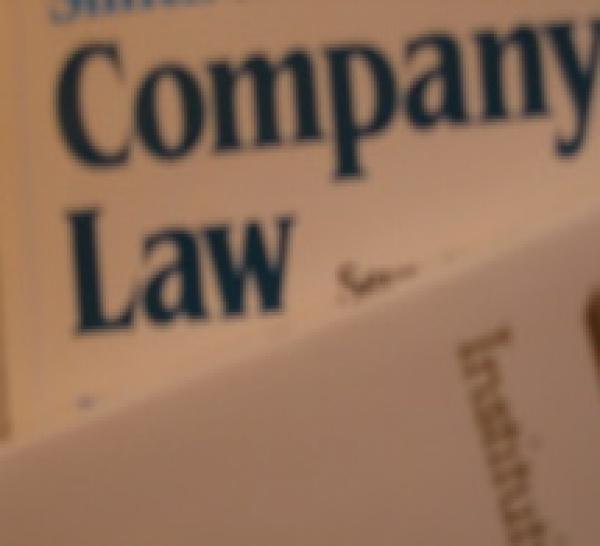Application de la loi n° 2011-103 du 27 janvier 2011 relative à la représentation équilibrée des femmes et des hommes au sein des conseils d'administration et de surveillance. Organes et mandataires sociaux appelés à la parité.