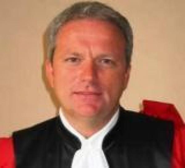 Une Banque Populaire condamnée pour le placement d'actions Natixis. Une nouvelle jurisprudence selon Europe 1 et l'AFUB ?!  Les médias ne font pas la jurisprudence, investisseurs attention.