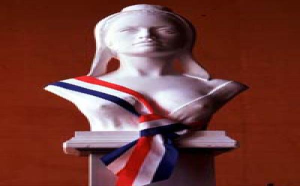 Le droit de l'AMF à un recours, ou l'inévitable suite de l'affaire EADS...! Dix arguments en faveur d'un recours du Président de l'AMF, J.-P. JOUYET.